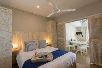 Le Nautique Luxury Beachfront Apartments Mahe Queen Beachfront